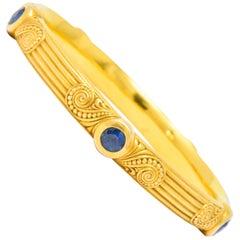 Riker Bros, Art Nouveau 4.00 Carat Sapphire 14 Karat Gold Bangle Bracelet