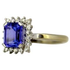 18 Karat Gold Ring with Tanzanite and Diamonds