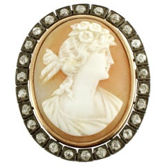 1.05 Carat Diamonds, 3.5 G Carved Cameo, Rose Gold and Silver Retrò Brooch
