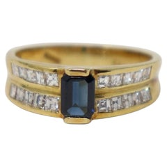 Blue Sapphire 0.70 Carat Yellow Gold and Diamonds Wedding or Engagement Ring