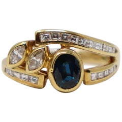 0.70 Carat Blue Sapphire Yellow Gold and Diamonds Wedding or Engagement Ring