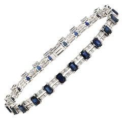 8.60 Carat Natural Blue Sapphire and 2.02 Carat Diamonds 18 Karat Gold Bracelet