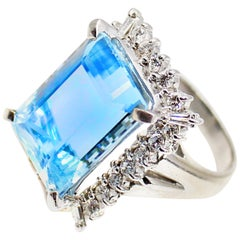 11.88 Carat Pastel Blue Aquamarine  Diamond Platinum Ring