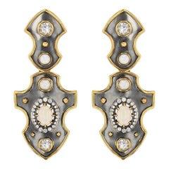 Blason Earrings Yellow Gold Opal, Pair