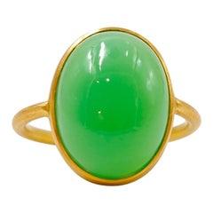 Scrives 10.8 Carat Chrysoprase 'Green Chalcedony' Cabochon 22 Karat Gold Ring