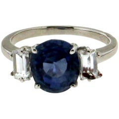 Sri Lankan Sapphire 18 Karat White Gold Baquette Diamonds Engagement Ring
