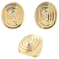 Modern Oval Gold Ridged Fluted Design Earrings and Ring Suite