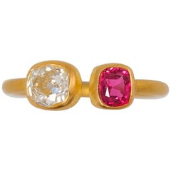 Scrives 0.87 Carat Old Mine Diamond and Pink Red Spinel 22 Karat Gold Ring