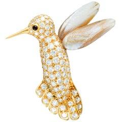 Van Cleef & Arpels Vintage Diamond Pave Pearl Yellow Gold Humming Bird Brooch