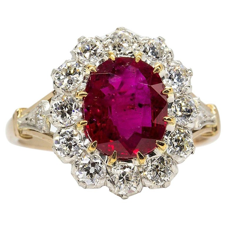 Lovely 18 Karat Gold GIA Certified Ruby and Diamonds Halo Ring For Sale