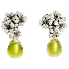 18 Karat Gold Plum Flowers Contemporary Earrings with Lemon Quartz and Diamonds