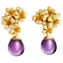 18 Karat Gold Plum Flowers Contemporary Earrings with Diamonds and Amethyst