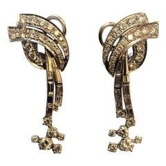 4.50 Carat Baguettes Brilliant Cut Diamonds White Gold & Platinum Drop Earrings