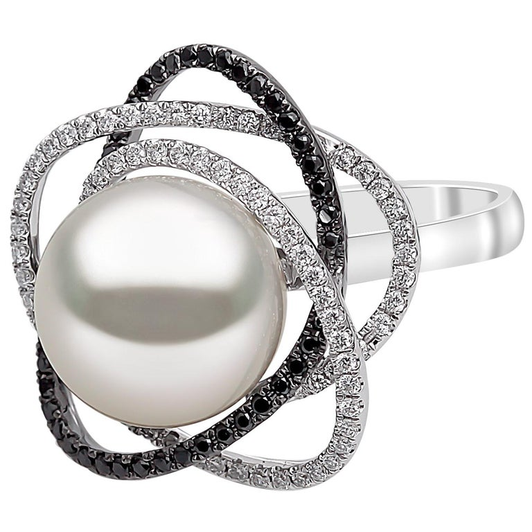Yoko London South Sea Pearl Ring with Black and White Diamonds, in 18 Karat Gold For Sale