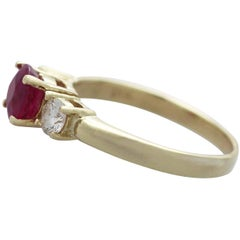 Contemporary 1.32 Carat Ruby Diamond Yellow Gold Trilogy Ring