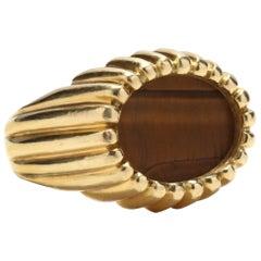 1960s Vintage 18 Karat Gold and Tiger's Eye Ring