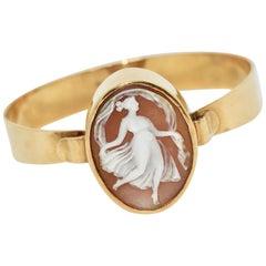 Beautiful Clasp Bangle, 18 Karat Gold with Cameo, Bracelet
