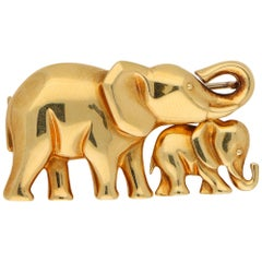 Signed Cartier 18 Karat Yellow Gold Elephant and Calf Brooch or Pendant