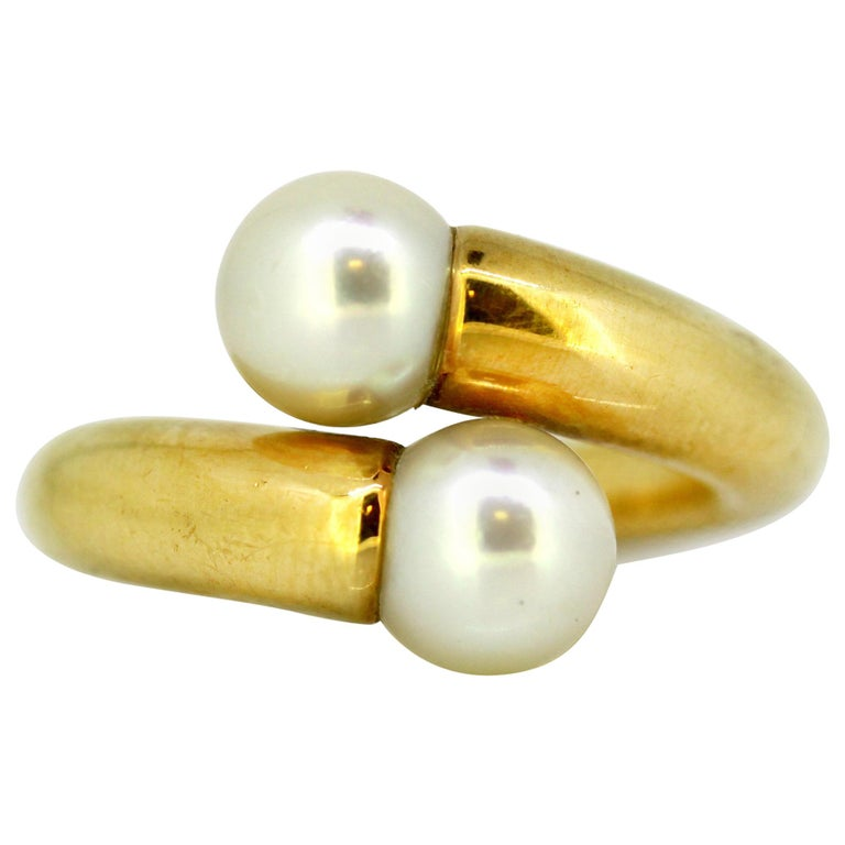 Cartier, 18 Karat Gold Ladies Ring with Two Natural Freshwater Pearls For Sale