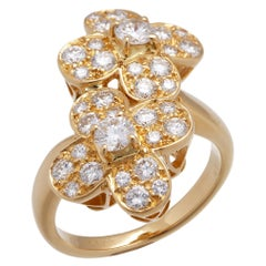 Van Cleef & Arpels 18 Karat Yellow Gold Diamond Trefle Ring