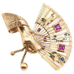 18 Karat Yellow Gold Italian Hand with Fan Pin