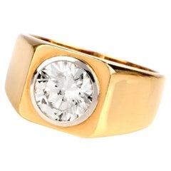 1970s Diamond 18 Karat Yellow Gold Signet Men's Ring