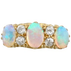 Antike 1911 1,74 Karat Opal und Diamant Gelb Gold Cocktail-Ring