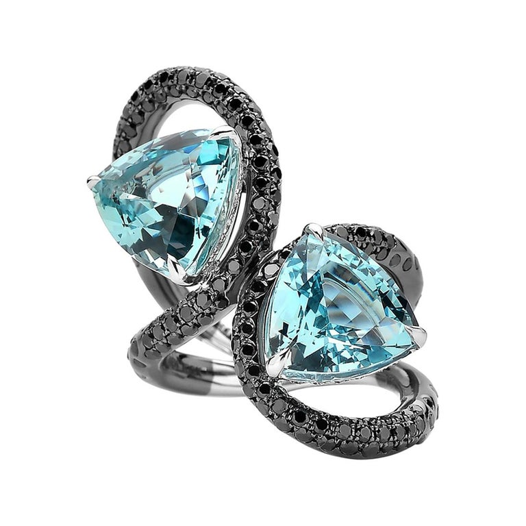 Double Trillion Cut Aquamarine and Black Diamond Ring in 18 Karat White Gold For Sale