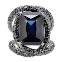 Spinell Kobalt und Schwarzer Diamant Ring in 18 Karat Weißgold Schwarzes Rhodium Finish