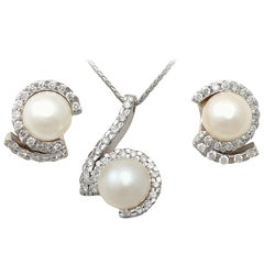 Vintage 1.27 Carat Diamond Pearl White Gold Earring and Necklace Set