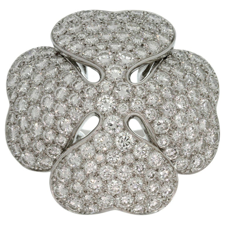 Cartier Anniversary Edition 10 Carat Diamond White Gold Clover Ring For Sale
