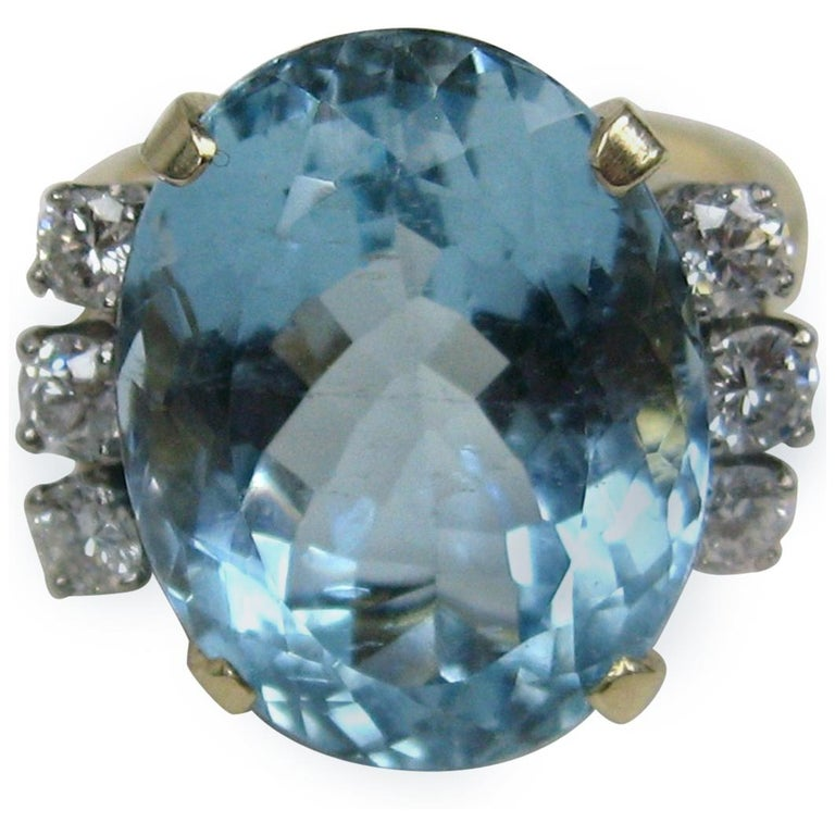 13 + Carat Oval Aquamarine Diamond 14 Karat Gold Ring GIA Certified For Sale