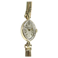 Tiffany & Co. Ladies 14 Karat Yellow Gold Oval Face Wristwatch, 1940s