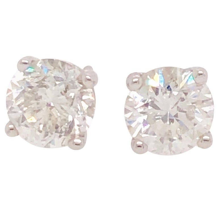 15610b220 2.60 Carat Round Cut Diamond and White Gold Diamond Stud Earrings For Sale