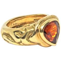 Elizabeth Gage 1989 Orange Spessartite 18 Karat Yellow Gold Ring