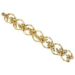 1970s Textured Circular Link Gold Bracelet
