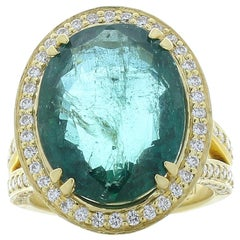 GII Certified 10.93 Carat Oval Emerald & Diamond Cocktail Ring In 18K Gold
