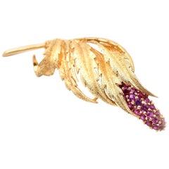 18 Karat Yellow Gold Vintage Ruby Leaf Pin