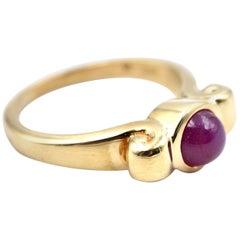 18 Karat Yellow Gold Cabochon Ruby Ring