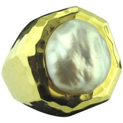 Henry Dunay 18 Karat yellow gold and South Sea Pearl Ring