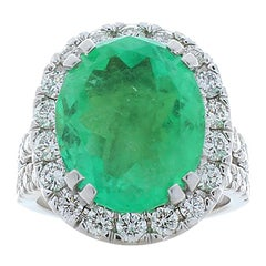 7.50 Carat Oval Cut Green Emerald and Diamond Cocktail Ring in 18 Karat Gold