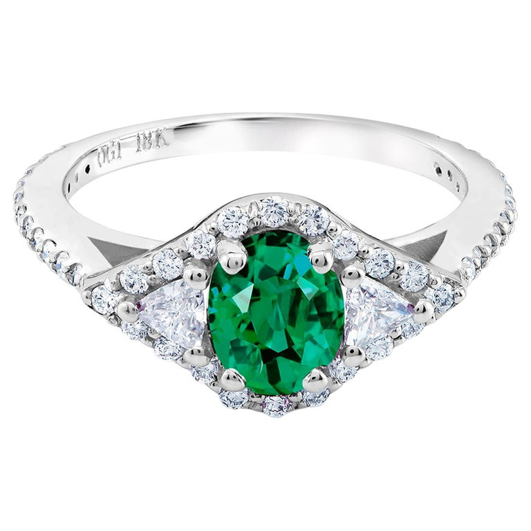 18 Karat White Gold Emerald Diamond Cocktail Ring  For Sale