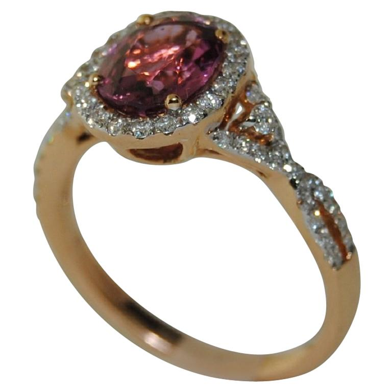 18 Karat Gold Spinel and Diamond Ladies Ring For Sale