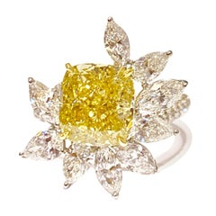 GEMOLITHOS GIA Fancy Deep Yellow Diamond 4.15 Carat VVS1 and Diamond Ring