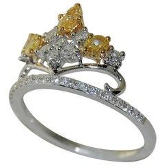 18 Karat Gold Ladies Diamond Cluster Ring 0.95 Carat
