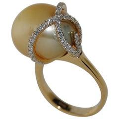 18 Karat Gold South Sea Pearl and Diamond Fashion Ring