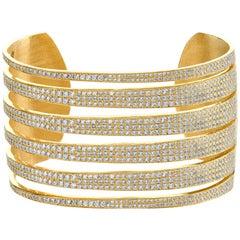 18 Karat Yellow Gold Full Diamond Tiger Cuff