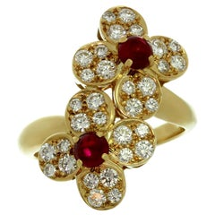Van Cleef & Arpels Double Trefle Ruby Diamond Yellow Gold Clover Flower Ring