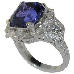 7.65 Carat Tanzanite and Diamond Women's Ring, 18 Karat Gold