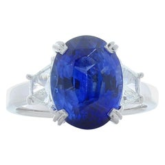 GIA Certified 3.76 Carat Oval Blue Sapphire & Diamond Cocktail Ring In 18K Gold